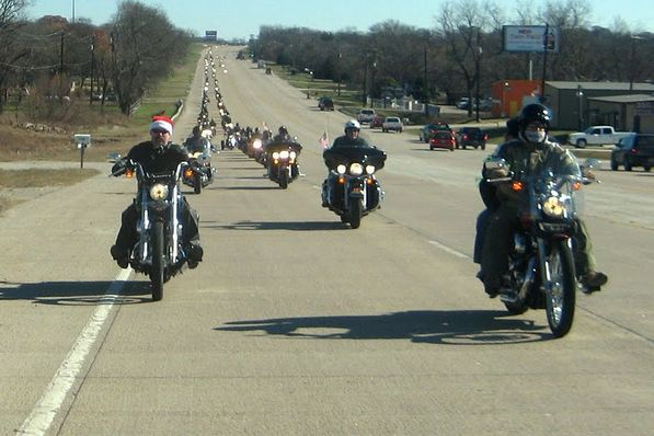 Bikers Toys For Tots : Dfw toys for tots motorcycle run event photos